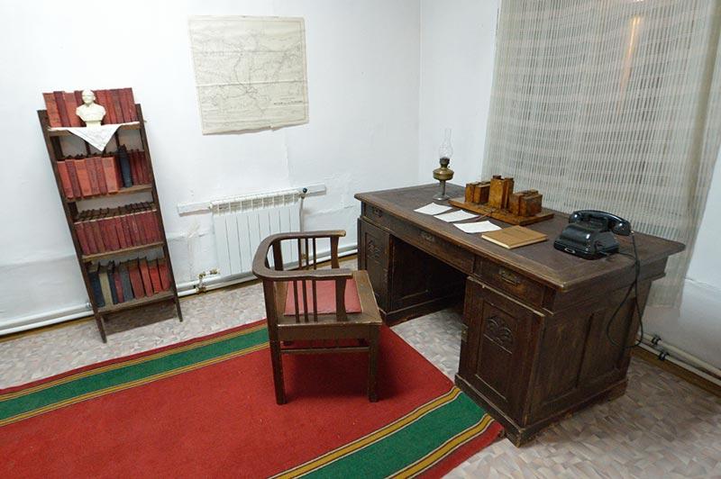 Рабочий кабинет Максима Аммосова