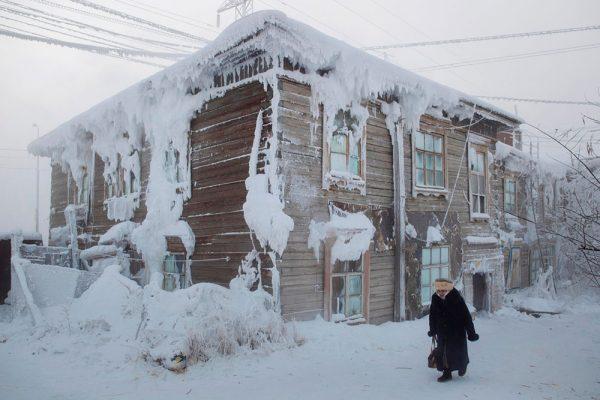 Обычный дом на Полюсе холода