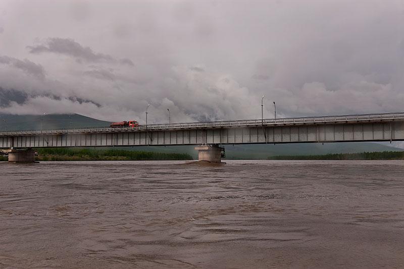 Мост через реку Индигирка
