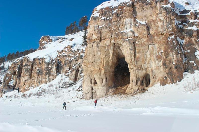 Удивительная пещера
