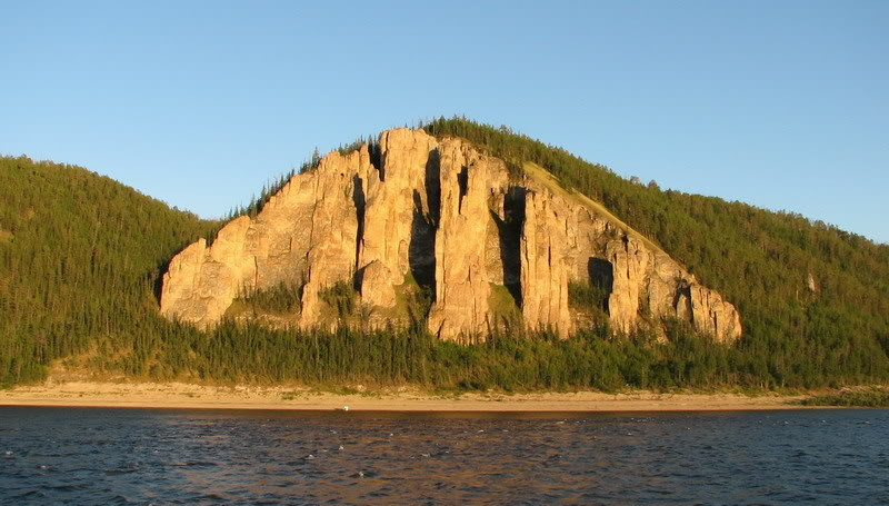 Необычные скалы Ленских столбов